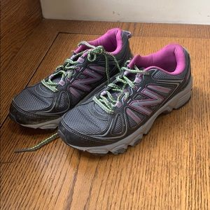 New balance size 8 woman's sneakers